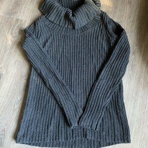 American Eagle Loose neck, Turtleneck Sweater